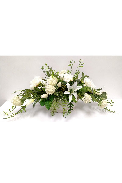 WHITE MIXED OVAL CENTERPIECE