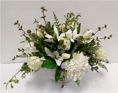 WHITE MIXED ROUND CENTERPIECE