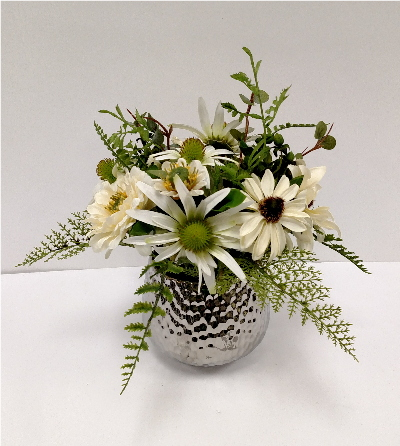 WHITE SMALL MIXED CENTERPIECE